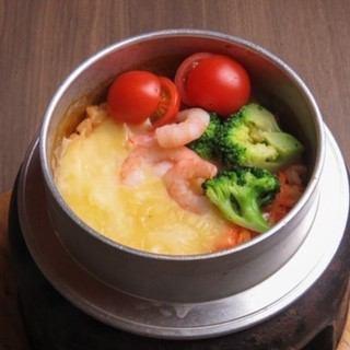 トマトチーズ釜飯